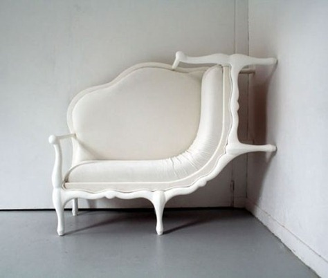 canape-crawl-up-the-wall-chair